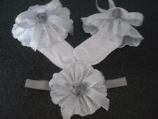 GIRLS SPANISH FRILLY SOCKS IN WHITE & SILVER & MATCHING HAIR BAND SIZE 3-5 1/2