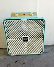 Vintage Lakewood Country Aire Box Fan Deluxe Exhaust Intake Thermo Control Blue