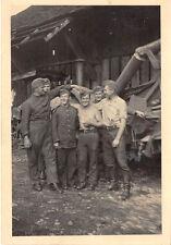 Soldaten vor schweren Feldkanone  Kielce Polen