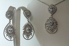 BRIDAL PENDANT AND EARRINGS WITH DOUBLE TEAR DROP