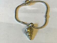 Concha De Mar TG125 en una pulsera serpiente plata rodio plateado