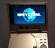 Mobiler DVD/CD Player MUSTEK mit reichlich Zubehör und Tasche