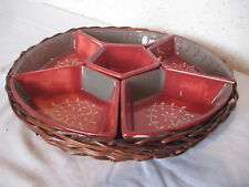 Plateau en osier avec coupelles en céramique pour apéritif