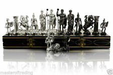 Scacchi contemporanei di argento in plastica