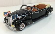 1938 Cadillac V-16 Presidential Limo ROAD SIGNATURE Diecast 1:24 USED~ Displayed