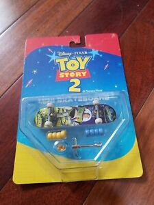 TOY STORY 2 Mini SKATEBOARD  Disney Pixar ALIENS