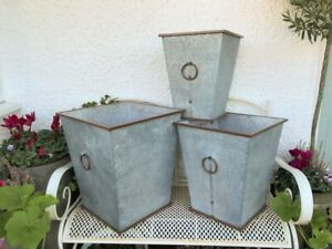 Vintage Style Metal Planter Rustic Plant Pot Tub Container In / Outdoor - Small