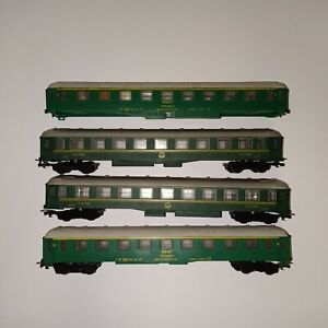 HO Passenger Wagon DB Pullman Green With Grey Roof Interchangable Wheels