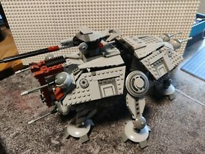 LEGO StarWars AT-TE (75019) mit Figuren und Anleitung