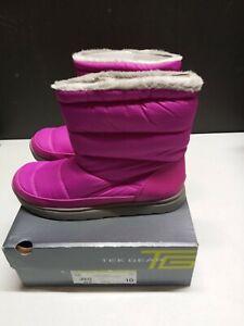 Tek Gear woman's Boots Light weight Flexible Outsole Fuchsia Size 10