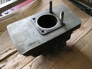 Suzuki GT550 Triple  Middle Centre Engine Cylinder Barrel 61 mm