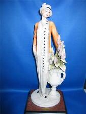 Giuseppe ARMANI FLORENCE Donna Elegante con vaso di fiori