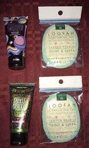 Perfectly Posh FACE MASK & LOOFAH PAD CACKLE SPACKLE I'M TURNING BLUEBERRY PICK