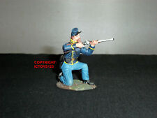 BRITAINS 31061 UNION CAVALRY TROOPER DISMOUNTED KNEELING FIRING TOY SOLDIER