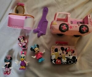 Minnie Mouse Tour Van, Desk, Comb, Figures, Daisy Duck, and Tin