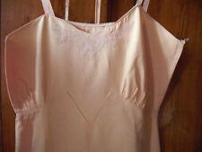 Linge ancien chemise ou robe femme en coton rose vintage
