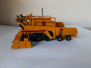 NZG Modelle Diecast Blaw-Knox BK-95   Wheeled Asphalt Paver Finisher 1/50 scale