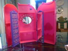 BARBIE Closet, Wardrobe w/ Lighted Mirror & a Place for Shoes from 2000.