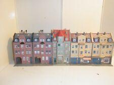 Spur H0 Kibri 5 Stadthäuser u.a. mit Firma Böhler     - gebaut