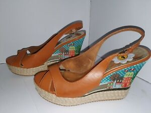 ●ROCKETDOG● Wedge Sandals with housing scene - Size UK 7/ EU 40