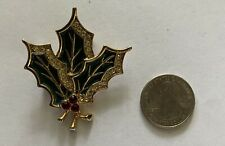 Vintage Beautiful Holly Christmas Pin Brooch - Holly with Berries