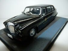 Diecast Daimler Limousine Casino Royale James Bond Car Model