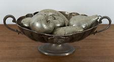 Unbekannt (20th), Metallschale mit genietetem Obst, Kunsthandwerk