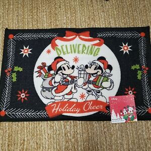 Disney Mickey & Minnie Mouse Christmas Holiday Accent Rug 20in X 32in