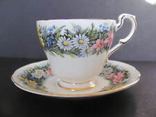 PARAGON HM THE QUEEN - ENGLAND CUP & SAUCER - WILDFLOWERS DAISIES IN GRASS