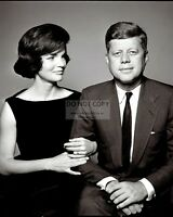 """JOHN F. KENNEDY WITH FIRST LADY JACQUELINE """"JACKIE"""" - 8X10 PHOTO (OP-078)"""