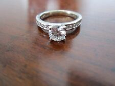 SPARKLING ROUND DIAMOND ENGAGEMENT RING