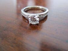 SPARKLING ROUND DIAMOND ENGAGEMENT RING