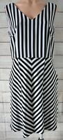 Diana Ferrari Dress Skater Fit Flare Shift Size 14 Black White Stripe Chevron