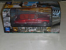 NEWRAY 1/43 SCALE 1949 BUICK DIECAST CAR NEW IN BOX. PROTECTIVE DISPLAY CASE