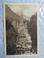 Lourdes – La basilique et l'Esplanade