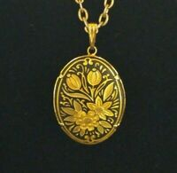 Vintage Damascene Italy Pendant Floral Etched Gold Tone Pendant Necklace