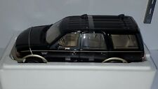 1/18 UT FORD EXPEDITION EDDIE BAUER BLACK