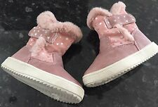 F&F BABY / INFANT PINK STAR DETAIL BOOTS ( SIZE : 4 ) ** MINT **