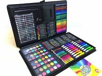 Children's Colouring Painting Drawing Kids Art Set 250 pcs in Case Art Pad New