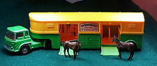 CORGI TOYS №1104 BEDFORD TK ARTICULATED HORSE BOX NEWMARKET RACING STABLES