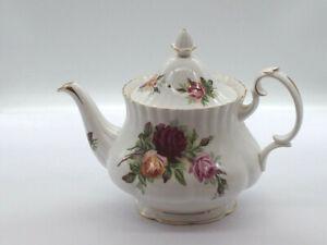 "Royal Albert ""King's Ransom""  Teapot Made in England 1960"