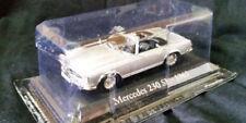 Artículos de automodelismo y aeromodelismo IXO color principal plata Mercedes