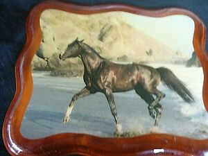 VINTAGE '' RUNNING HORSE ON BEACH '' mounted on Solid Timber Base Hand Made QBE
