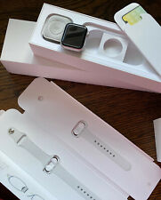 Apple Watch Series 4 40 mm Silver Aluminum With New White Sport Band (GPS +...