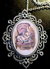 Alicia en el país de las maravillas Looking Glass Dinah Antiguo Broche + Collar Colgante de Plata