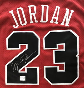 Michael Jordan NBA Chicago Bulls Autographed Authentic Signed Jersey with COA