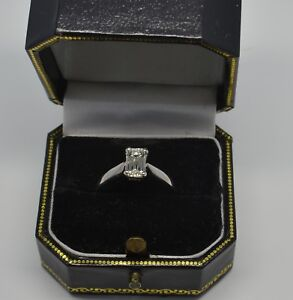 Dazzling 18ct White 1.07ct Diamond Solitaire Engagement Ring