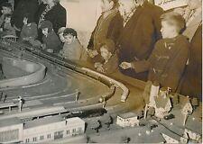 PARIS 1955 - Enfants  Maquette Trains Réseau Ferré Jouets - PR 877