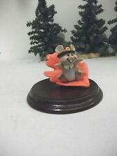 Hallmark Thanksgiving 1982 Pilgrim Mouse Riding On Orange Leaf Ws Lge Merry Mini