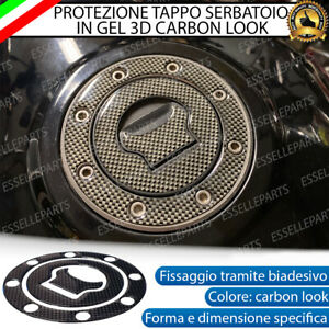 ADESIVO CARBON LOOK 3D PROTEZIONE TAPPO PER SUZUKI GSF 600 BANDIT (2000-2005)